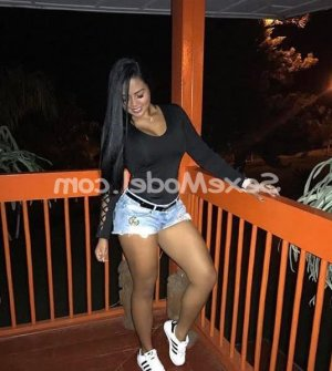 Mesmine escort girl lovesita