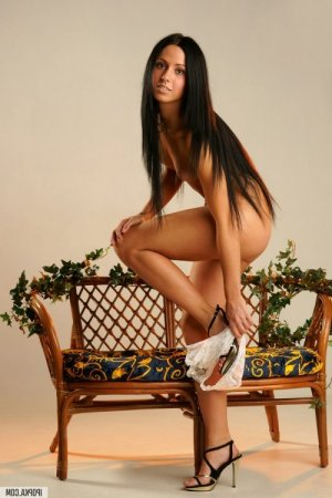 Brunehilde massage tantrique escorte