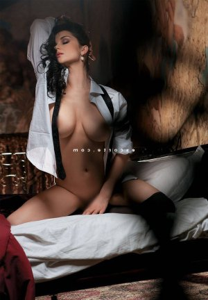 Thelma massage érotique escorte girl